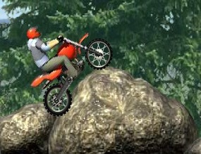 Motocross-in-the-countryside
